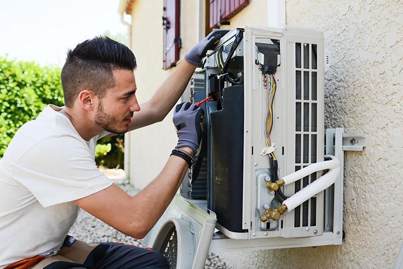 Quelles sont les compétences et les qualités du chauffagiste en climatisation ?